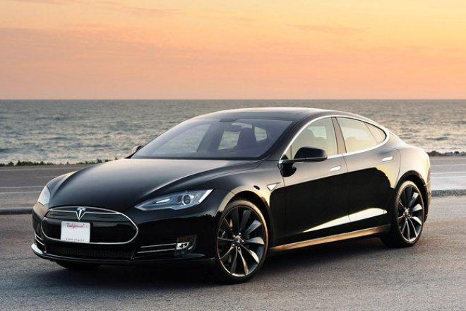 Going Green! 夏威夷四季酒店的Tesla 豪华车服务