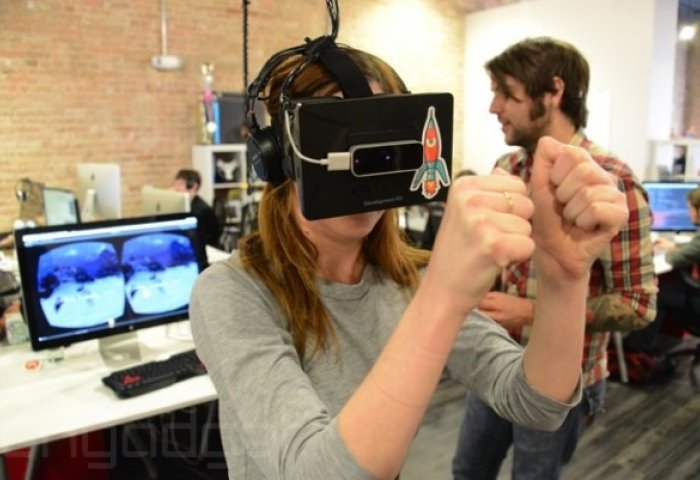 Oculus 联手三星推出99美元虚拟现实设备,让VR离大众更近