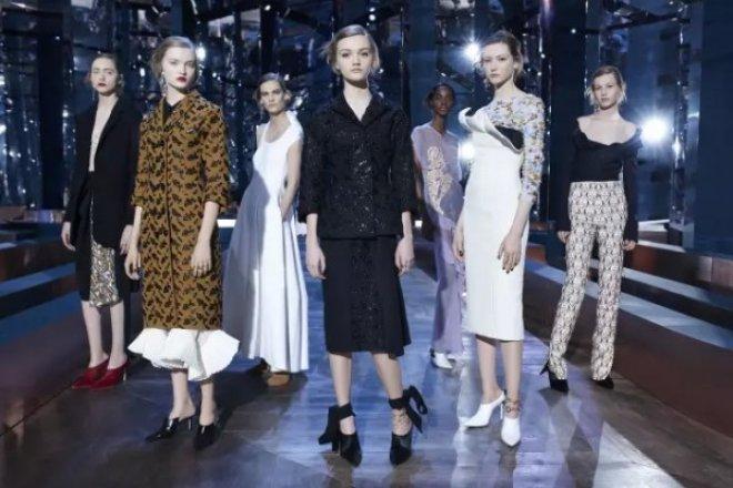 Show must go on! 没有艺术总监的 Dior 举办2016春夏高定时装发布会