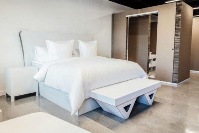 四季酒店也有个实验室:一间用纸板搭成的酒店房间
