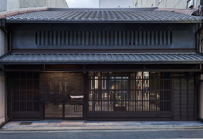 三宅一生携手深泽直人改造有132年历史的京都老町屋:集精品店和画廊于一身