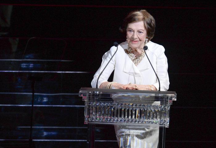 """七十年,她专心为纽约时尚界做""""清单"""":The Fashion Calendar 创始人 Ruth Finley 98岁仙逝"""