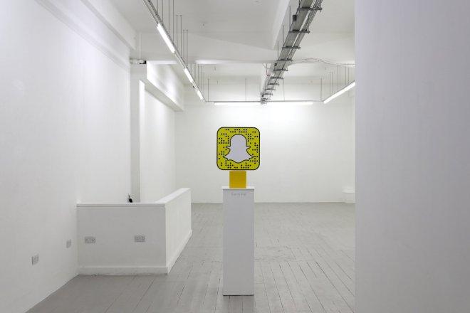 """乐高联手 Snapchat 开设""""虚拟现实""""快闪店,专卖为成人设计的街头服饰"""