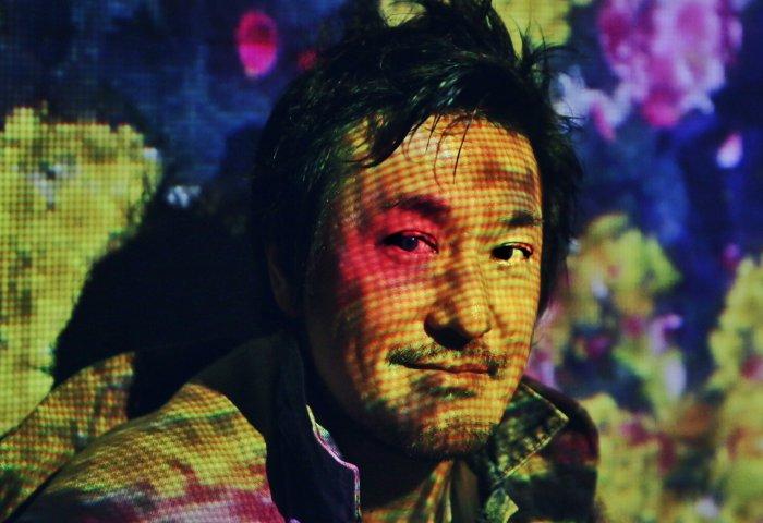 """十八年的跨界探索与""""自然""""生长丨《华丽志》专访国际著名数字艺术团体 teamLab 创始人猪子寿之"""
