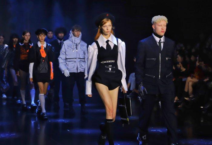 从纽约到巴黎,太平鸟联手独立青年设计师展示中国时尚力量
