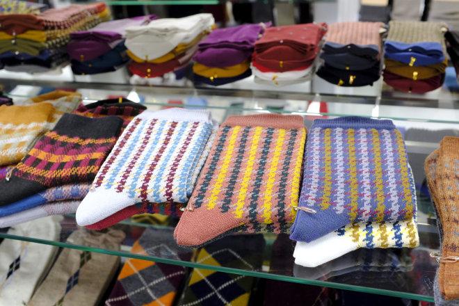 """一生、一事、一贯:日本袜子""""狂人""""和他的品牌 华丽志日本行实录之四:Tabio 专访"""