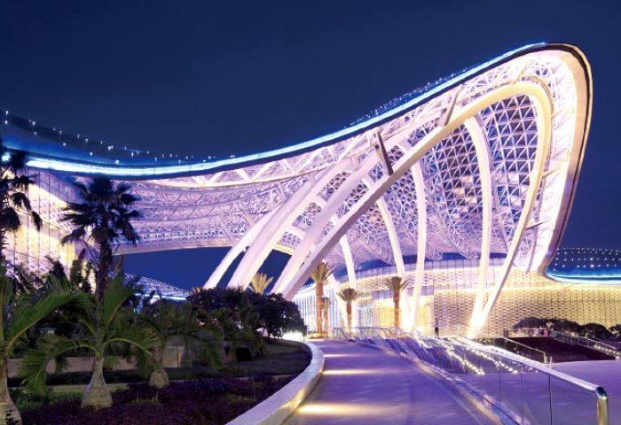 中国国旅发布财报:三亚免税城和上海机场免税店2019年销售额均突破100亿人民币