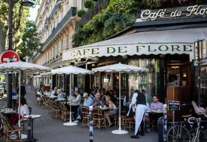 巴黎放松管制政策:餐厅和咖啡馆可以在人行道添置额外桌椅用于营业