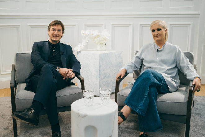 Dior创意总监和CEO新闻发布会实录:线上办秀只是权宜之计,回归线下很重要!
