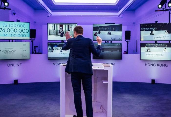 苏富比直播拍卖会:全场成交总额3.632亿美元,创网上拍卖最高出价纪录